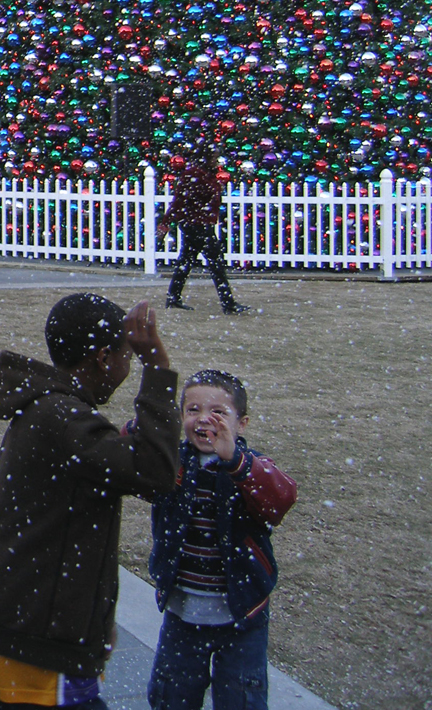 Fake Snow mchines
